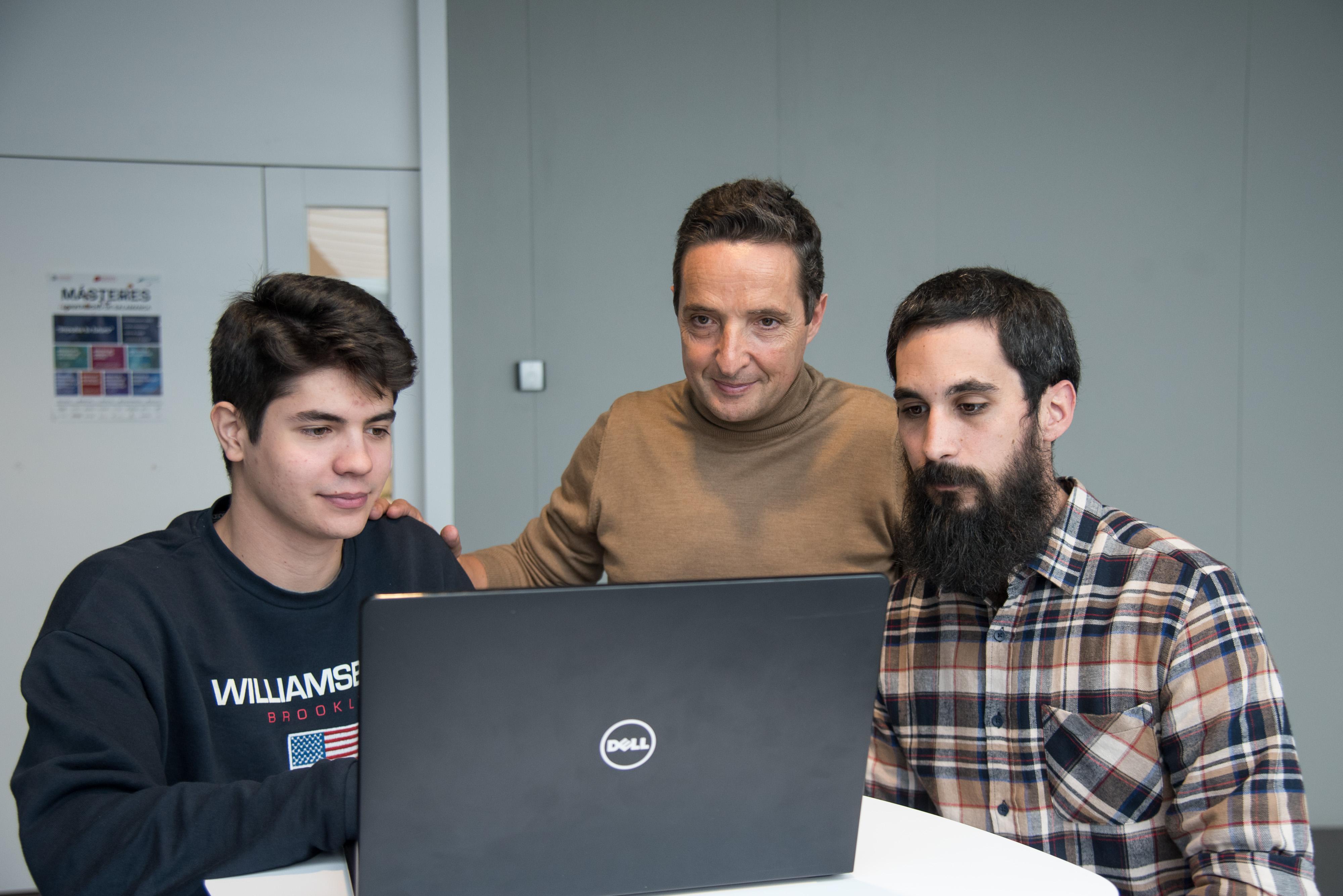 Compañeros de nuestro grupo participan con proyectos de domótica e IA en el Plan TCUE
